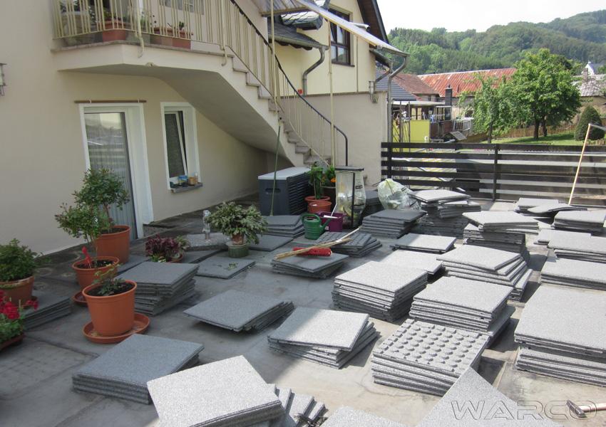 mattonelle per terrazzo e balcone warco buon investimento per anni. Black Bedroom Furniture Sets. Home Design Ideas